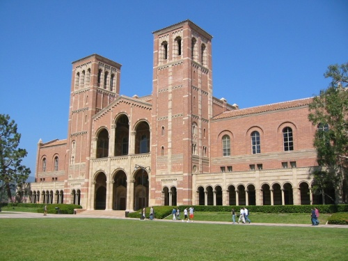 Royce_Hall,_University_of_California,_Los_Angeles_(23-09-2003)